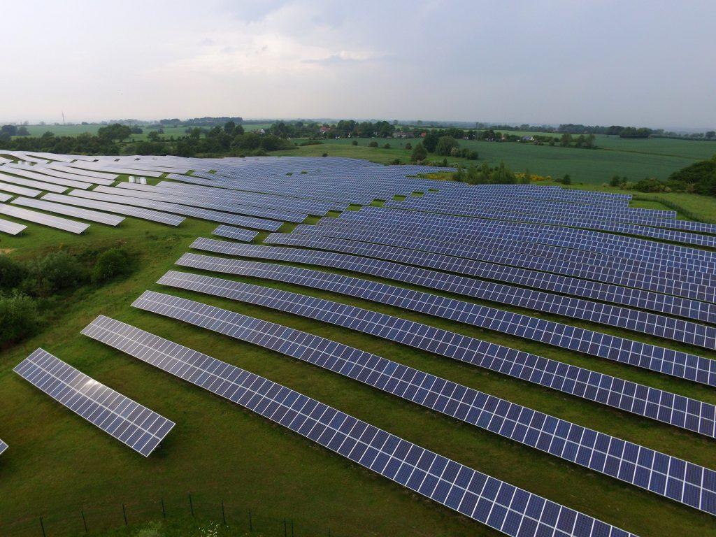 imagem de usina de Energia solar no mundo